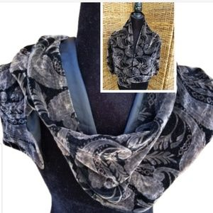 Beautiful Collection XIIX velour scarf